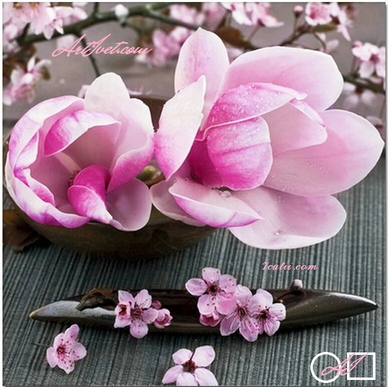 Goblen  de  diamante Magnolii roz: Dimensiuni si tip - 35x35 cm Margele Patrate