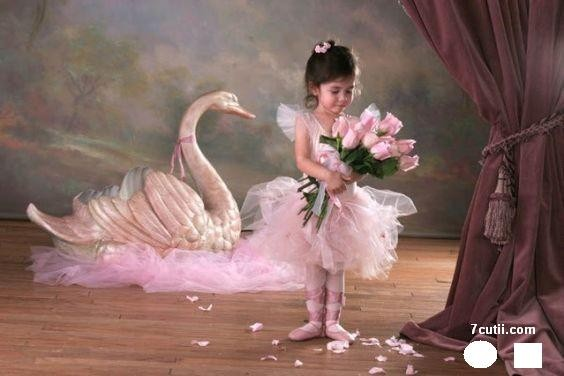 Goblen de diamante - Mica balerina: Dimensiuni si tip - 60x40 cm Margele Rotunde (Circulare)