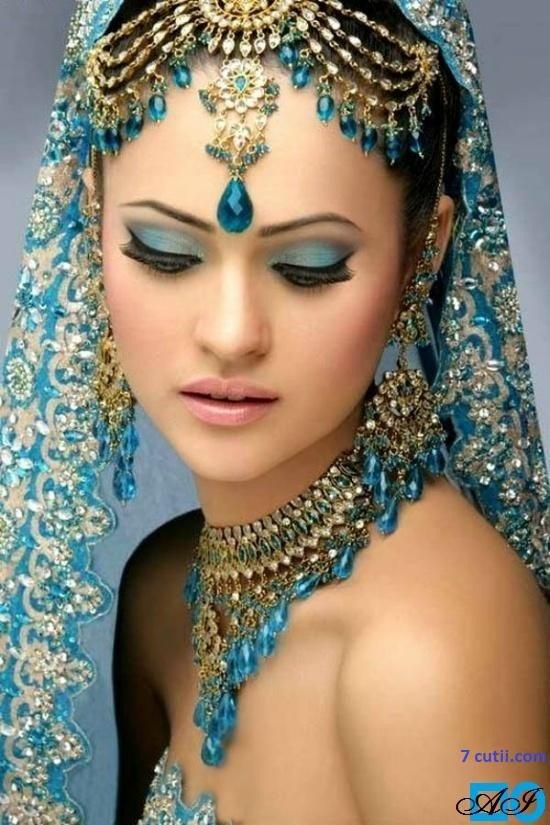 Goblen de diamante - Femeie Indiana in albastru: Dimensiuni si tip - 36x24 cm Margele Patrate