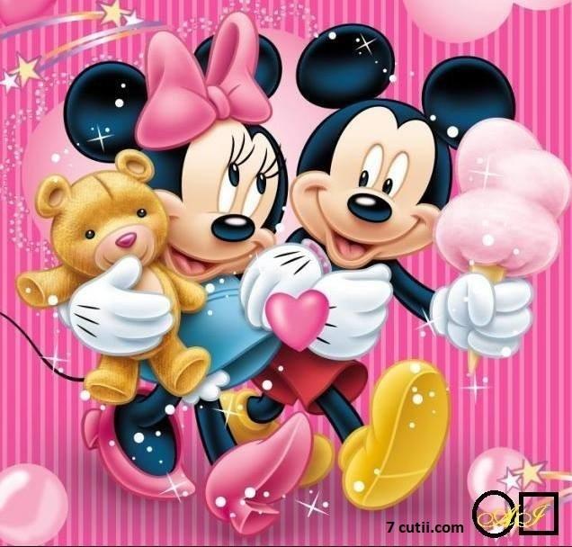 Goblen de diamante - Mickey si Minnie Mouse: Dimensiuni si tip - 35x32 cm Margele Patrate